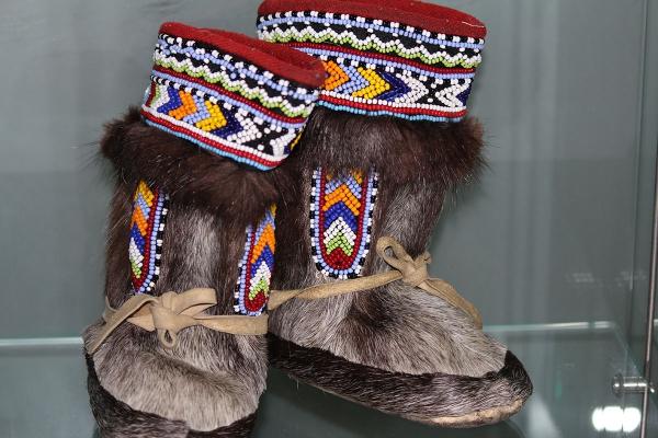 Народы севера вышивка